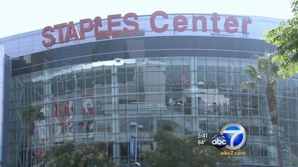Staples Center launches HD video screens