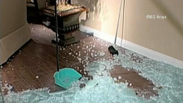 Vandals smash windows in San Fernando Valley