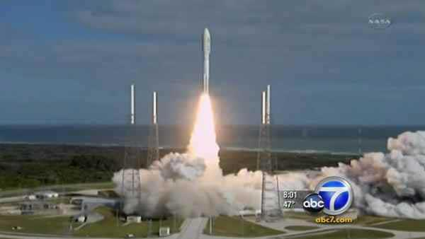 NASA launches giant, high-tech rover Mars