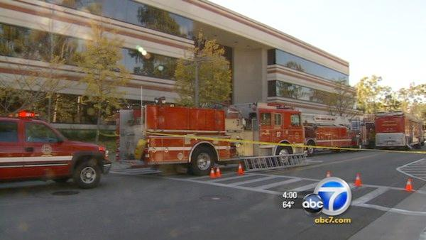 CSULB worker dies trying to escape elevator