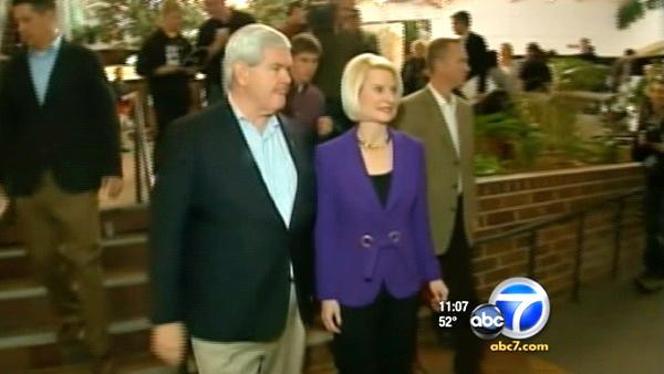 Once on top, Gingrich plummets in Iowa poll