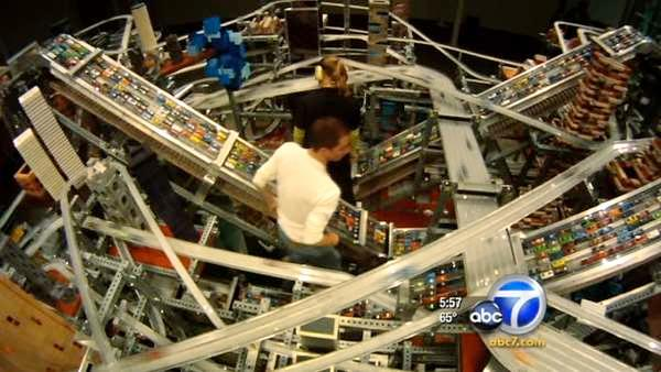 LACMA exhibit Metropolis II pulses w/ traffic