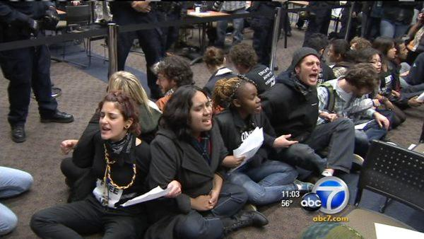 Protesters disrupt board meeting at UCR
