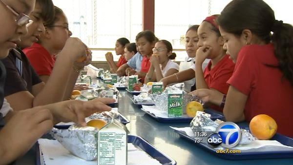 LAUSD ahead of Obama's healthy lunch program