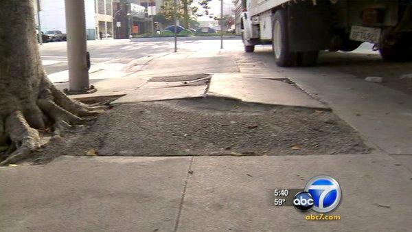 Disabled sue LA over poor sidewalk conditions