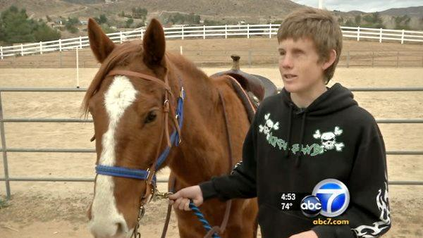 Blind 'Cool Kid' rides horses competitively