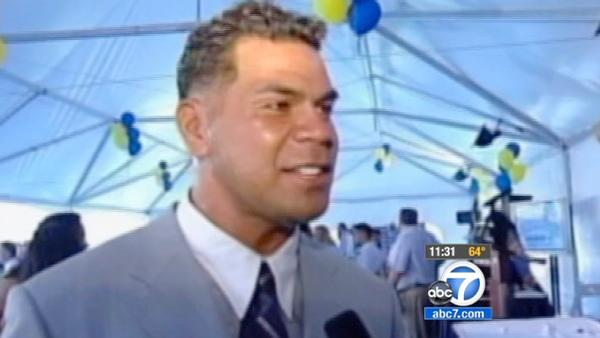 Seau autopsy planned after apparent suicide
