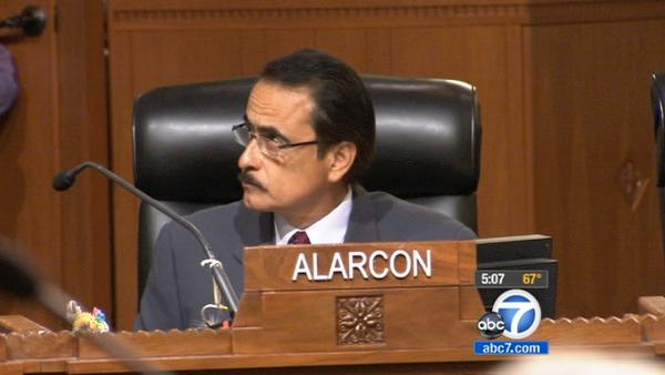 Alarcon, wife plead not guilty to new charges