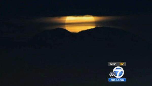 Super moon makes Saturday appearance in US skies