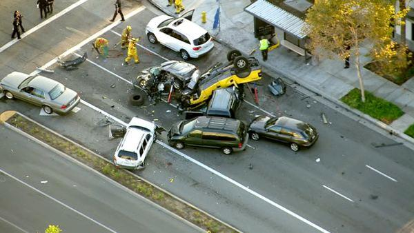 1 killed in multi-car collision in Fullerton