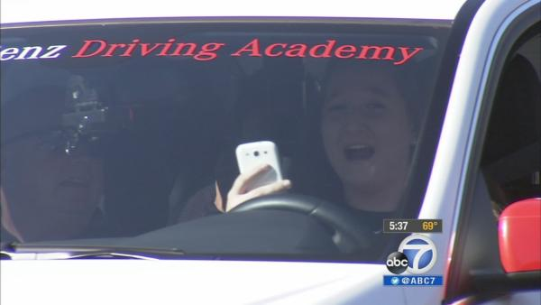 Teen drivers take distracted-driving challenge