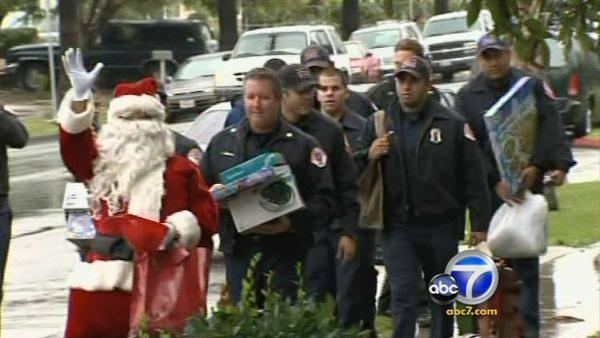 Santa brings warm beds to O.C. family