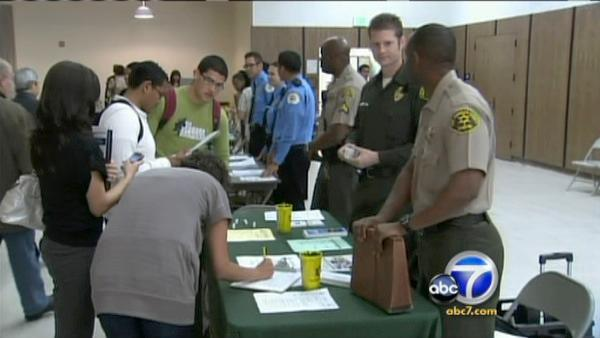 Van Nuys job fair draws big crowd