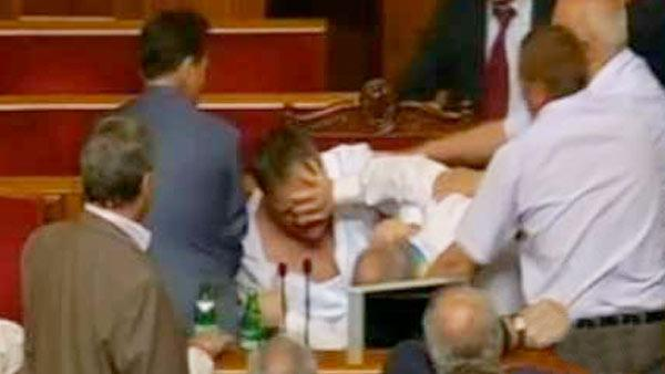 Brawl over Russian in Ukrainian Parliament