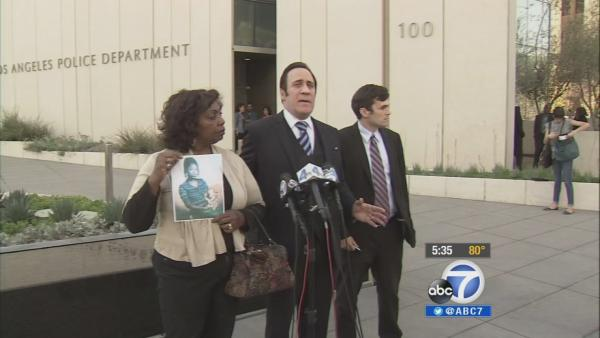 Mom reacts to LAPD officer's not guilty plea