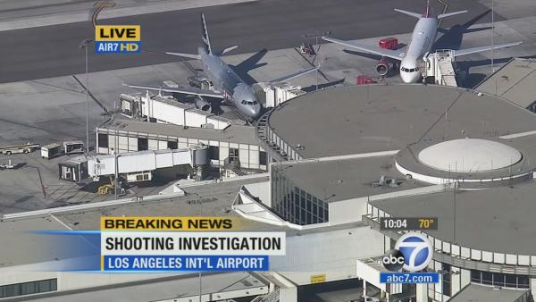 LAX passenger describes 'mass panic'