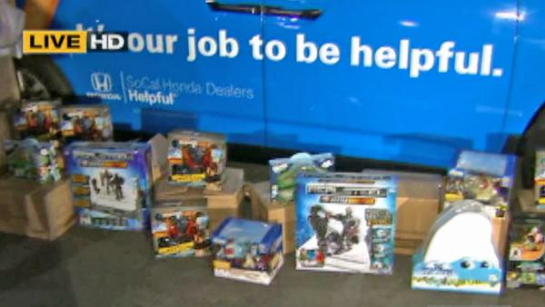 Helpful Honda team donates toys