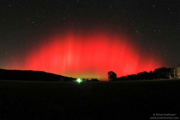 Brian Emfinger took this photo of the aurora borealis from Ozark, Ark., on Oct. 24, 2011.