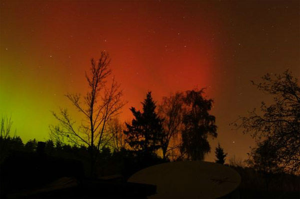 Viljo Allik took this photo of the aurora borealis from near Tartu, Estonia, on Oct. 24, 2011. <span class=meta>(Photo&#47;spaceweather.com&#47;Viljo Allik)</span>