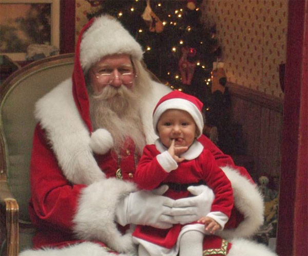 "<div class=""meta ""><span class=""caption-text "">ABC7 viewer Mariann Caton posted this photo to the ABC7 Facebook wall of her granddaughter, Priseis, making her best Austin Powers impression, with Santa Claus.  Post your own photo, and don't forget to tag yourself. Your photo may be used on Eyewitness News! (KABC Photo/ ABC7 viewer Mariann Caton)</span></div>"