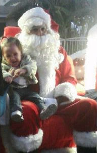 ABC7 viewer Jessica Melissa Negrete posted this photo to the ABC7 Facebook wall of her daughter, Jazlynn Arianna, with Santa Claus.  Post your own photo, and don&#39;t forget to tag yourself. Your photo may be used on Eyewitness News! <span class=meta>(KABC Photo&#47; ABC7 viewer Jessica Melissa Negrete)</span>