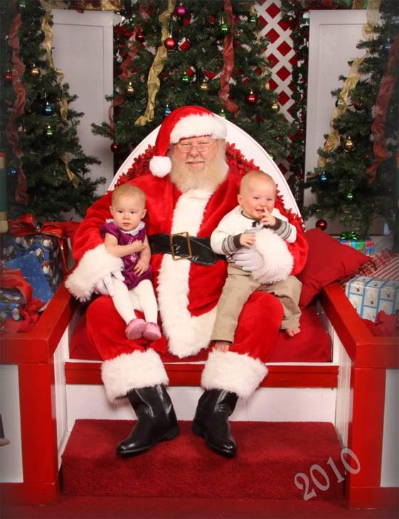 ABC7 viewer Susanne Cyrus posted this photo to the ABC7 Facebook wall of her two kids with Santa Claus.  Post your own photo, and don&#39;t forget to tag yourself. Your photo may be used on Eyewitness News! <span class=meta>(KABC Photo&#47; ABC7 viewer Susanne Cyrus)</span>