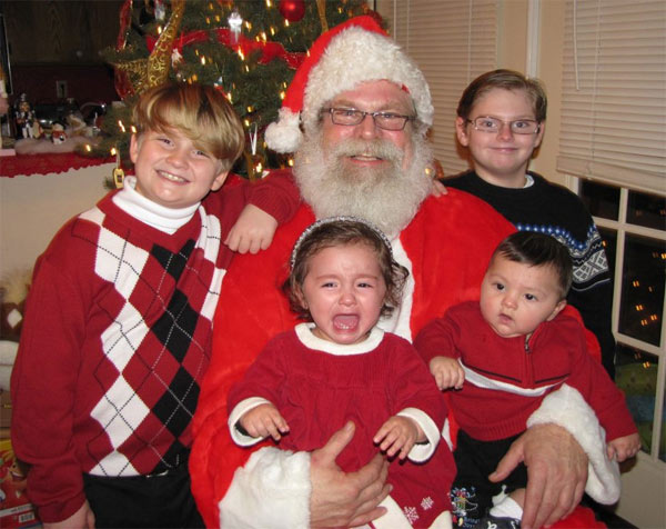 ABC7 viewer Jim Johnson posted this photo to the ABC7 Facebook wall of his grandchildren with Santa Claus.  Post your own photo, and don&#39;t forget to tag yourself. Your photo may be used on Eyewitness News! <span class=meta>(KABC Photo&#47; ABC7 viewer Jim Johnson)</span>