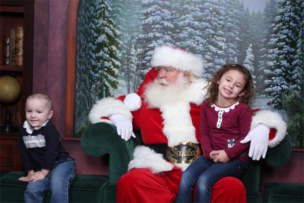 "<div class=""meta ""><span class=""caption-text "">ABC7 viewer Rachel Bland posted this photo to the ABC7 Facebook wall of her kids with Santa Claus.  Post your own photo, and don't forget to tag yourself. Your photo may be used on Eyewitness News! (KABC Photo/ ABC7 viewer Rachel Bland)</span></div>"