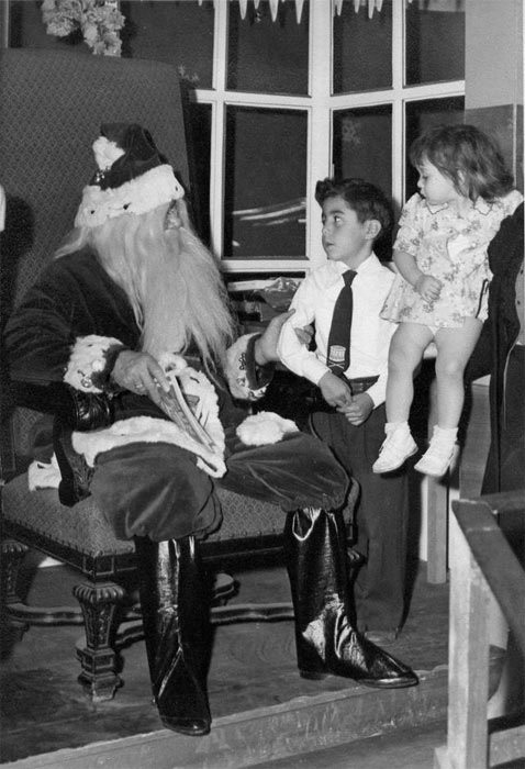 "<div class=""meta ""><span class=""caption-text "">ABC7 viewer Ron Crosthwaite posted this photo to the ABC7 Facebook wall of himself with Santa Claus.  Post your own photo, and don't forget to tag yourself. Your photo may be used on Eyewitness News! (KABC Photo/ ABC7 viewer Ron Crosthwaite)</span></div>"