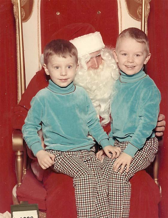 ABC7 reporter Rob Hayes is seen in this photo, posing with Santa and his brother when he was a young boy.  Post your own photo, and don&#39;t forget to tag yourself. Your photo may be used on Eyewitness News! <span class=meta>(KABC Photo&#47; ABC7 reporter Rob Hayes)</span>