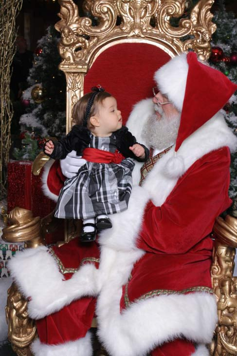 ABC7 viewer Stephen Costa posted this photo to the ABC7 Facebook wall of his daughter Madeline with Santa.  Post your own photo, and don&#39;t forget to tag yourself. Your photo may be used on Eyewitness News! <span class=meta>(KABC Photo&#47; ABC7 viewer Stephen Costa)</span>