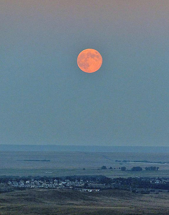 ABC7 viewer Janis K. Puzuhanich Clarke shared this photo of the blue moon over the prairie in Colorado.