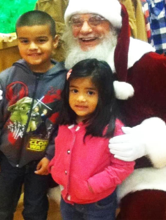 Mayra Gomez shared this photo of Jorge and Vanessa with Santa. &#160;Post your holiday pictures on our ABC7 Facebook page. <span class=meta>(ABC7 viewer Mayra Gomez)</span>