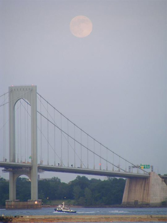 ABC7 viewer Carlos Cruz sent in this photo of the &#39;supermoon&#39; from the Whitestone Bridge from Bronx, N.Y. on Saturday, June 22, 2013. When You Witness breaking news, or even something extraordinary, send pictures and video to video@abc7.com, or post them to the ABC7 Facebook page or to @abc7 on Twitter  <span class=meta>(ABC7 viewer Carlos Cruz)</span>