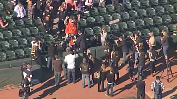 Batkid rescues San Francisco Giants mascot Lou Seal from the Penguin at AT&#38;T Park on Friday, Nov. 15, 2013. <span class=meta>(KGO-TV)</span>