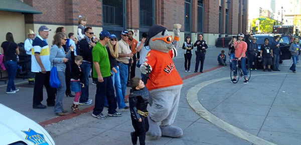 Batkid rescues Lou Seal at San Francisco&#39;s AT&#38;T after the Penguin kidnapped the Giants&#39; mascot on Friday, Nov. 15, 2013. <span class=meta>(KGO-TV)</span>