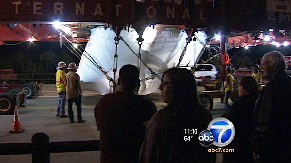A 340-ton rock traveling from Riverside to L.A. has attracted lots of attention.