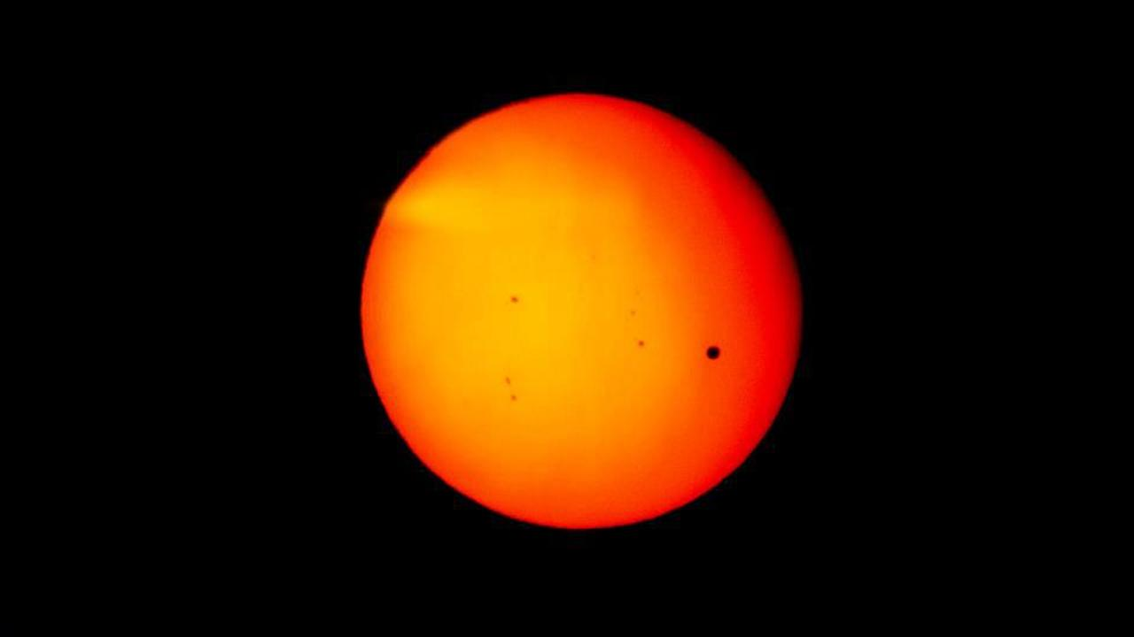 Transit of Venus photo <span class=meta>(ABC7 viewer David Benavides)</span>