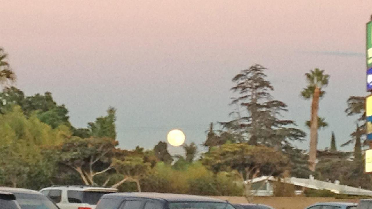 ABC7 viewer Isha Rajput sent us this photo of the blue moon in Garden Grove. <span class=meta>(ABC7 viewer Isha Rajput)</span>