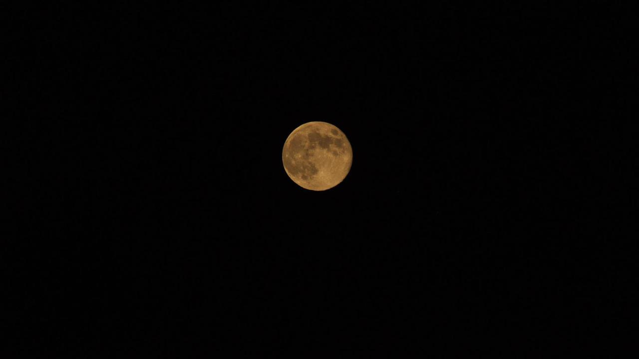ABC7 viewer Lorie Wilkins Essington sent us this photo of the blue moon in Fullerton. <span class=meta>(ABC7 viewer Lorie Wilkins Essington)</span>
