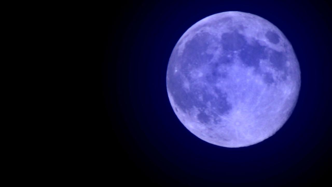 ABC7 viewer James Lybolt sent us this photo of the blue moon in Westchester. <span class=meta>(ABC7 viewer James Lybolt)</span>