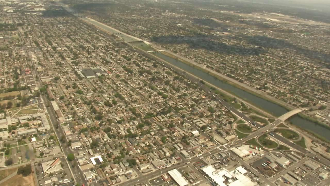 Not many people get a chance to see the view from above while soaring aboard the Goodyear Blimp. ABC7 anchor Phillip Palmer got a chance to ride the iconic blimp.