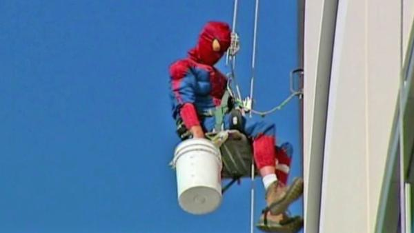 Spider-Man cleans hospital windows in FL