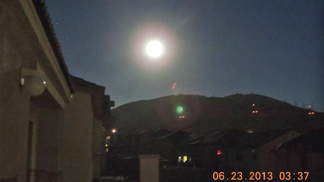 ABC7 viewer Jessica Frias shared this picture of the supermoon from her vantage point in Palmdale, Calif. on Facebook on Sunday, June 23, 2013. <span class=meta>(Jessica Frias)</span>
