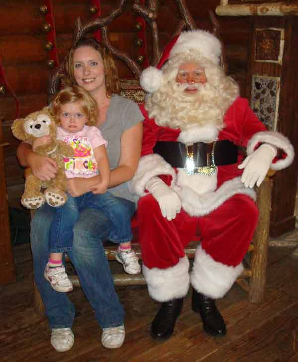 ABC7 viewer Amanda Boggs posted this photo to the ABC7 Facebook wall of his daughter Madeline with Santa.  Post your own photo, and don&#39;t forget to tag yourself. Your photo may be used on Eyewitness News! <span class=meta>(KABC Photo&#47; ABC7 viewer Amanda Boggs)</span>