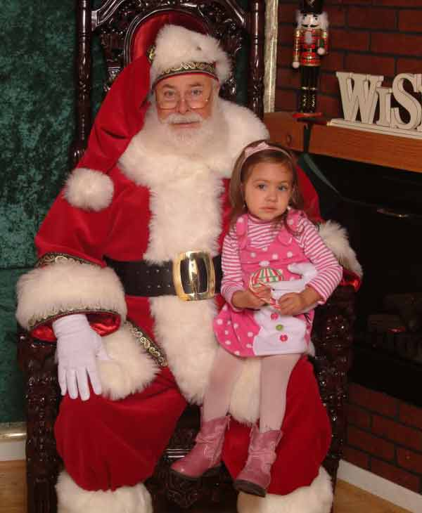 ABC7 viewer Anastasia Marie Ayala posted this photo to the ABC7 Facebook wall of his daughter Madeline with Santa.  Post your own photo, and don&#39;t forget to tag yourself. Your photo may be used on Eyewitness News! <span class=meta>(KABC Photo&#47; ABC7 viewer Anastasia Marie Ayala)</span>