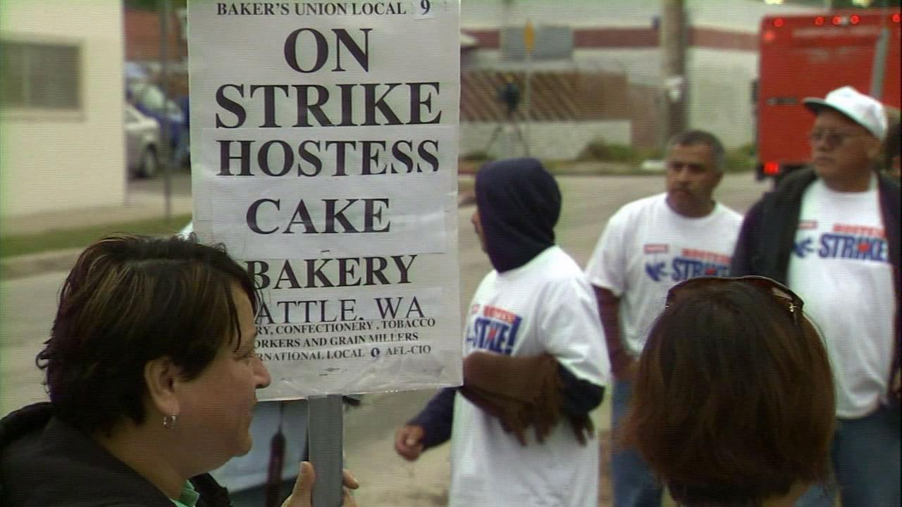 Hostess employees walk the picket line in Atwater Village on Friday, Nov. 16, 2012.