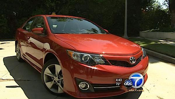 2012 Camry gets new look, lower base price