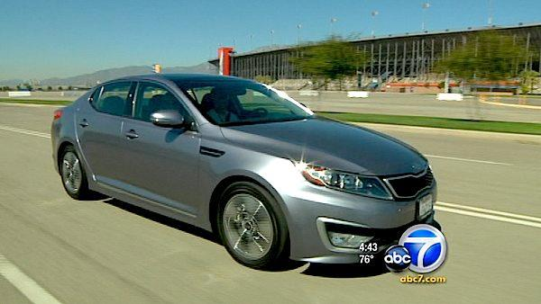 Kia follows industry suit with hybrid model