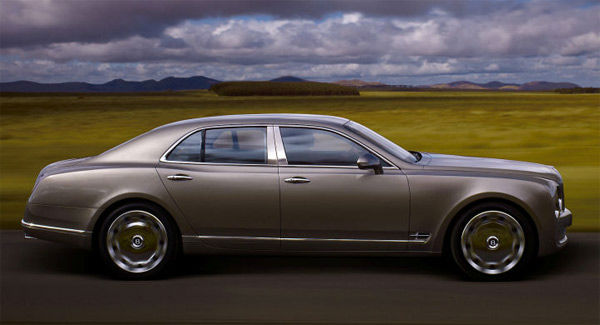 The Bentley Mulsanne was tied as the 11th worst vehicle for the environment. The American Council for an Energy-Efficient Economy gave the cruiser 22 out of 100 points. By comparison the ACEEE&#39;s most energy efficient vehicle, the Mitsubishi i-MIEV, received 58 out of 100 points. &#39;Motoramic&#39; says the posh cruiser has a 6.75-liter V-8; although a sophisticated engine management system can switch off one bank of cylinders to conserve fuel, the Mulsanne still only gets 18&#47;11 mpg highway&#47;city. <span class=meta>(Bentley website)</span>